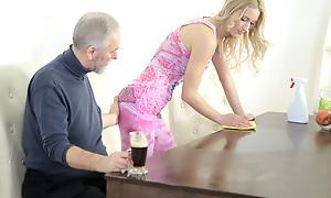 Superannuated goes youthful bloke makes Polina want him incorrectly wits engulfing her boobs