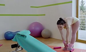 RELAXXXED - Naughty Italian babe Valentina Bianco gets pussy fucked in gym