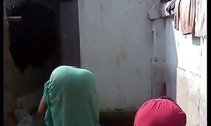 Bengali boudi Bathing, xnxxhomes porn