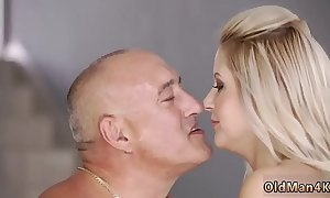 Papa have sexual intercourse mom xxx for all at one's fingertips home, eventually alone!