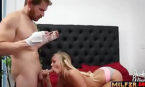 Bailey brooks to sister lends a hand