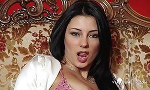 Lasublimexxx sofia cucci likes solo mime a sex-toy in her bore